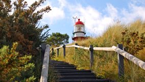 Treppe in Richtung zum Leuchtturm von Vlieland Lizenzfreie Stockbilder