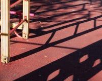 Treppe zum Kind-` s Spielplatz und zum Schatten von ihm Stockbilder