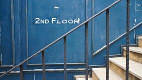 Treppe zum zweiten Stock Stockbilder