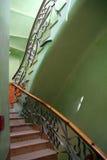 Treppekasten mit organischen Formularen stockfotografie