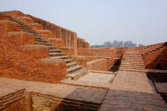 Treppen-Bahnen Nalanda Mahavihara Lizenzfreie Stockfotos
