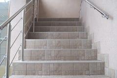 Treppen des Ausgangs- oder Büroinnenraums Lizenzfreies Stockbild