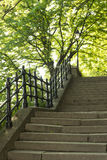 Treppen im Park, Budapest stockfotos