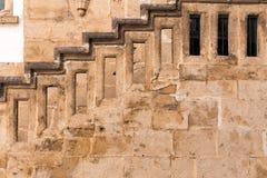Treppen mit Balusters Abstraktes Innenraumfragment der klassischen Architektur lizenzfreie stockfotos