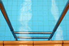 Treppen-Swimmingpool Lizenzfreie Stockfotos