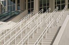 Treppen und Eingang   Lizenzfreie Stockfotos