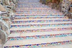 Treppen von unterbrochenem keramischem Stockbilder