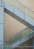 Treppenhäuser, die Dreiecke bilden Stockfoto