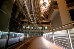 Treppenhäuser in einem modernen Konzertsaal in Lettland Stockfotografie