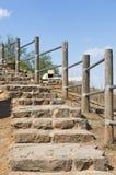 Treppenhaus, das zu die Verstärkungen führt Stockbild