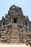 Treppenhaus, das zum Eingang innerhalb des Tempels, Siem Reap führt stockbild