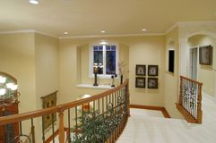 Treppenhaus des Luxuxhauses Stockbild