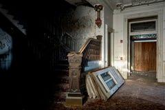Treppenhaus-Detail - verlassenes Gundry-Sanatorium - Baltimore, Maryland lizenzfreie stockfotografie