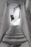 Treppenhaus in einem alten Schloss Stockfotos