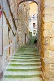 Treppenhaus im mittelalterlichen Herzen von Anghiari, Arezzo, Toskana Lizenzfreie Stockfotos