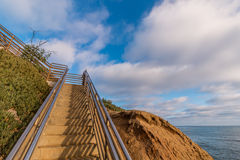 Treppenhaus an Ladera-Straße an den Sonnenuntergang-Klippen in San Diego stockfotografie