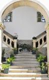 Treppenhaus mit Fliesen lizenzfreie stockbilder
