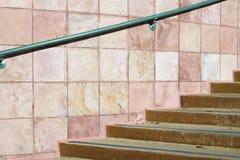 Treppenhaus und Geländer stockbild