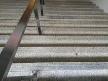 Treppenhaus und Schiene lizenzfreie stockbilder