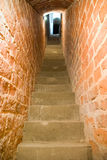 Treppenhaus und Steinwände Lizenzfreies Stockbild