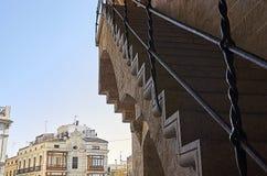 Treppenhaus zu halten lizenzfreie stockbilder