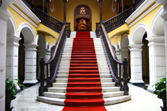 Treppenhausschacht im Palast stockfotografie