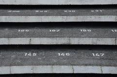 Treppenhausschritt mit Zahlen an der Kuching-Stadtmoschee Stockbilder