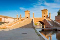 Treppontibrug in Comacchio, Ferrara, Italië Stock Foto's