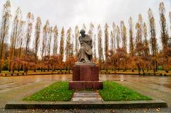 苏联战争纪念建筑在Treptower公园,柏林,德国全景 库存照片