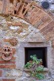 Trequanda Siena, gammal by Fotografering för Bildbyråer