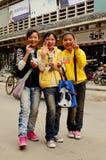 Tres adolescentes chinos, Kaifeng Fotos de archivo
