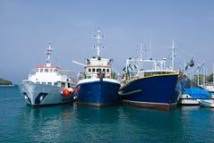 Tres barcos de pesca en el acceso de Vrsar foto de archivo libre de regalías