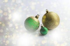 Tres bolas de la Navidad Concepto de la Navidad y del Año Nuevo Foto de archivo libre de regalías