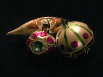 Tres bolas del árbol de navidad con diversas formas Fotos de archivo libres de regalías