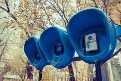 Tres cabinas de teléfono imagen de archivo libre de regalías