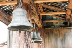 Tres campanas viejas imagen de archivo
