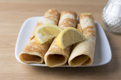 Tres crepes con el limón Foto de archivo libre de regalías
