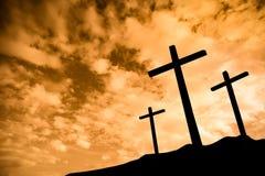 Tres cruces en una colina Imágenes de archivo libres de regalías
