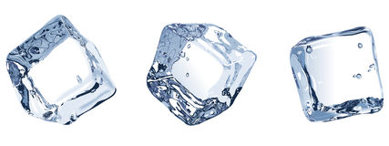 Tres cubos de hielo aislados en el fondo blanco Foto de archivo libre de regalías