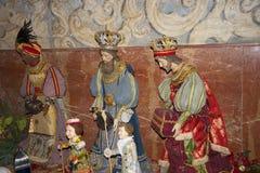 Tres decoraciones de reyes la Christmas en la ciudad de Nerja España Foto de archivo
