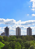 Tres edificios de varios pisos fotografía de archivo