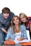 Tres estudiantes universitarios felices Fotografía de archivo
