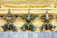 Tres GIants Guarda del templo Tres estatuas de guardas gigantes Imágenes de archivo libres de regalías