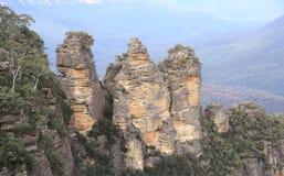Tres hermanas en la montaña azul Fotos de archivo libres de regalías