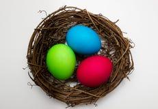 Tres huevos coloreados foto de archivo libre de regalías