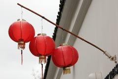 Tres linternas rojas para el chino NewYear Fotografía de archivo