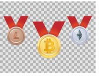 Tres medallas realistas de las monedas con las crypto-monedas - bitcoin, etherium, lightcoin, oro, plata, bronce, tres lugares Imagen de archivo