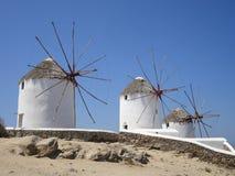 Tres molinoes de viento en Mykonos, Grecia Foto de archivo