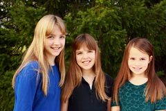 Tres muchachas junto Foto de archivo