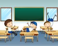 Tres muchachos que juegan dentro de la sala de clase libre illustration